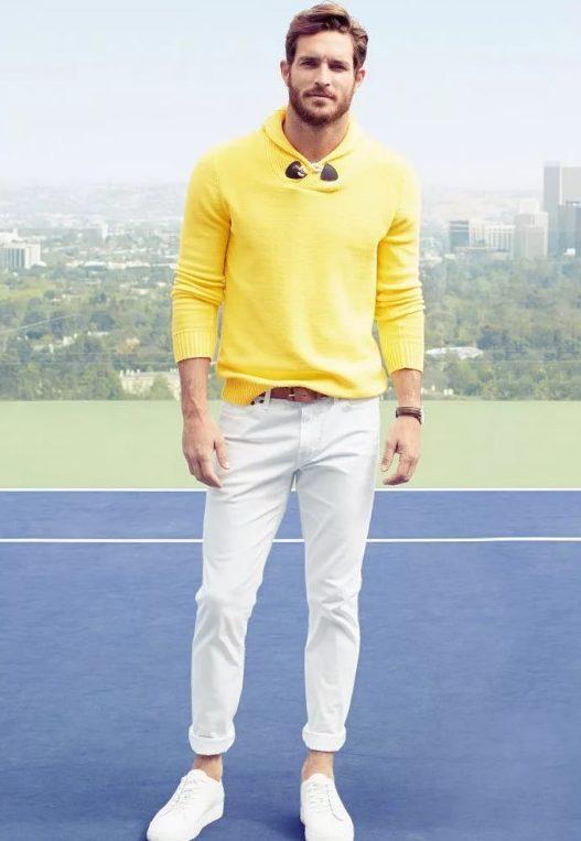 светлые джинсы мужские со свитером