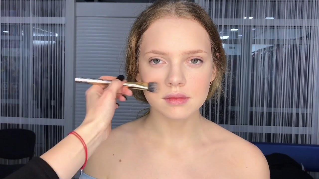 макияж кистью
