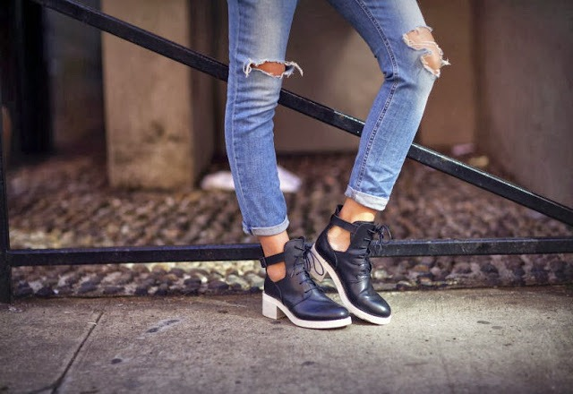 Как сделать дырку на коленке на джинсах