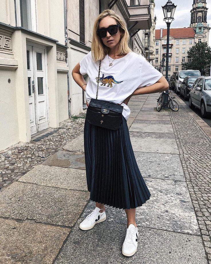 Чёрная юбка миди - с чем носить