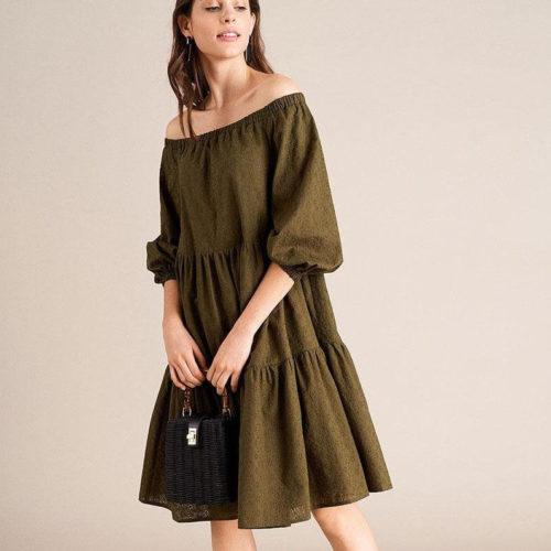 С чем носить платье цвета хаки?