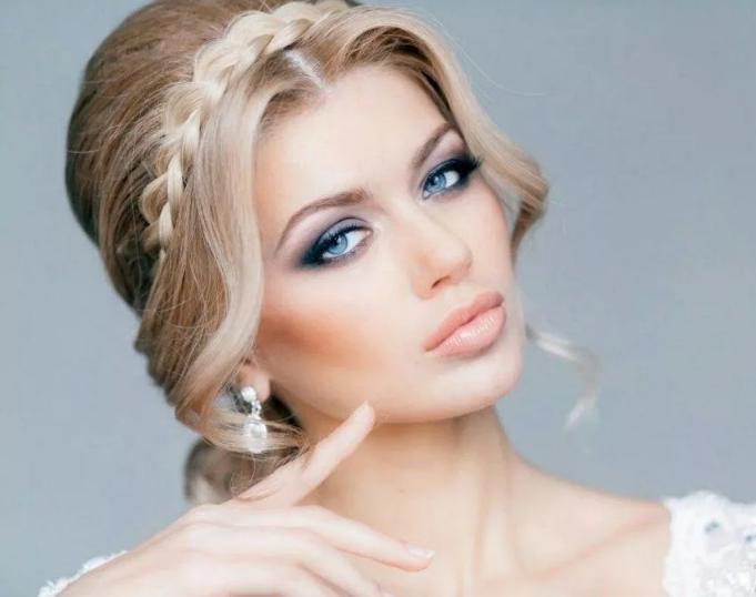 макияж к белому платью блондинкам