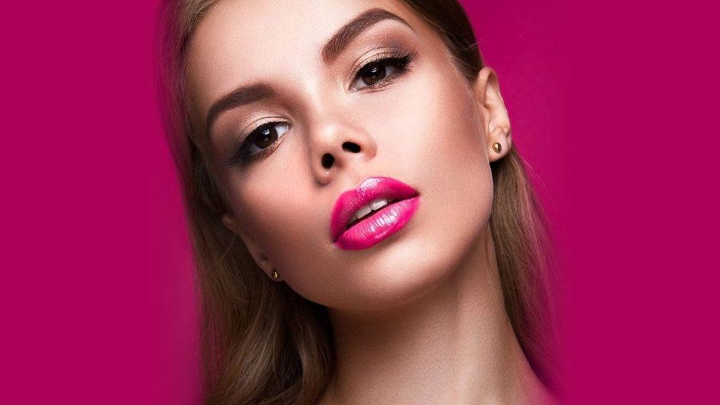 идеи макияжа под розовое платье