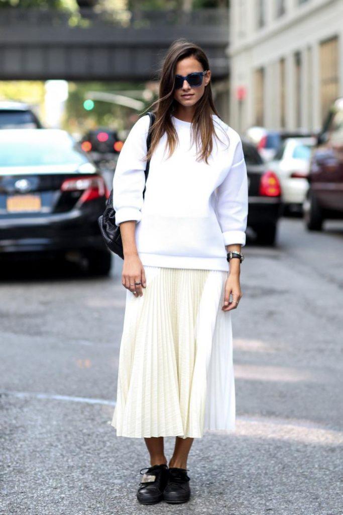 С чем носить белую юбку-плиссе