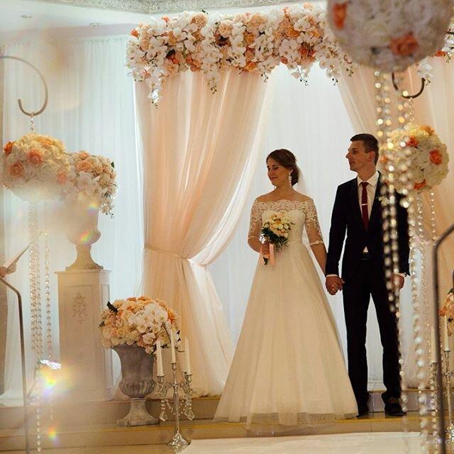 Как выбрать свадебное платье под стиль свадьбы