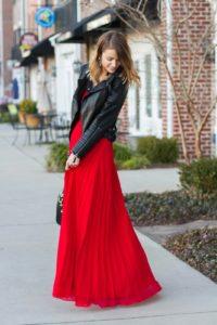 Что можно надеть поверх красного платья?