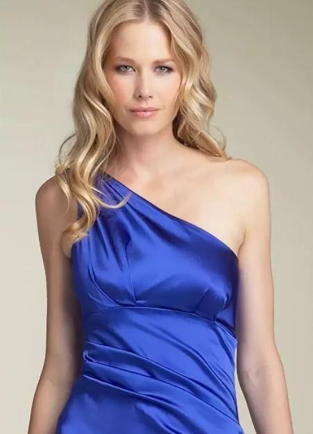 макияж под синее платье для блондинки 2