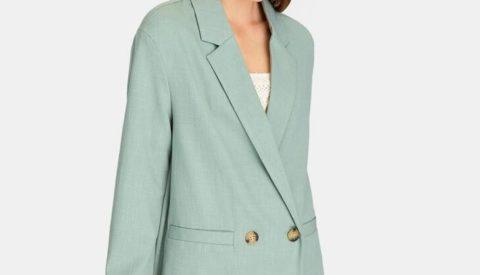 Пиджак оверсайз голубой.