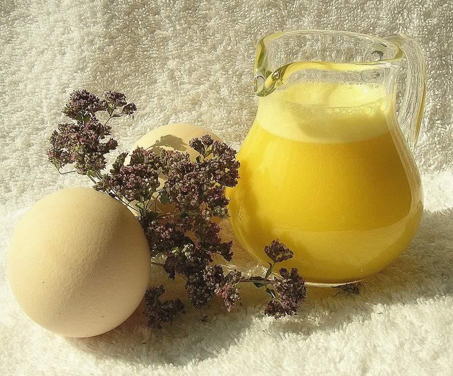 Домашний шампунь из яичных желтков.