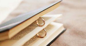 Может ли муж надевать жене свое кольцо