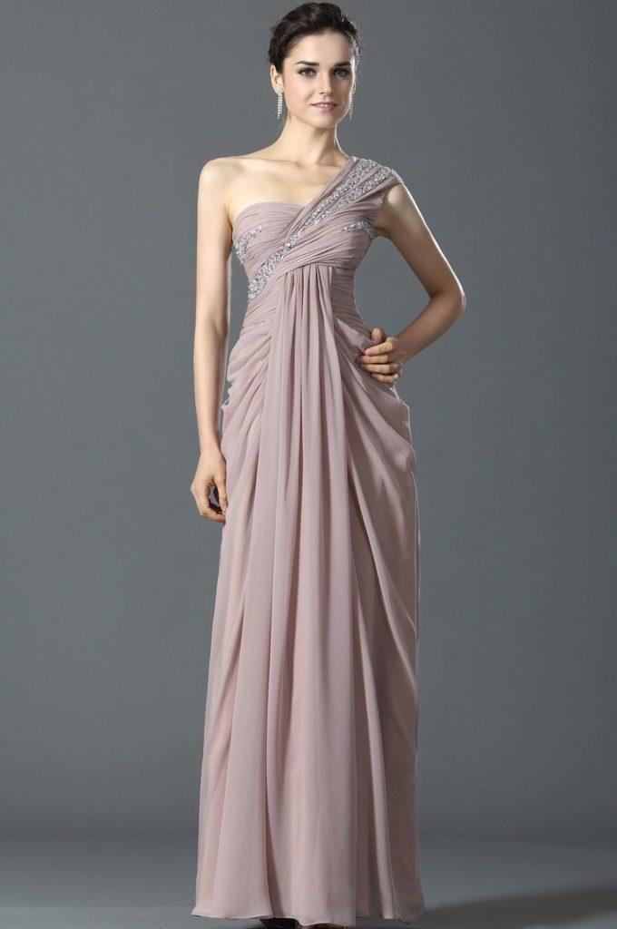 Как выбрать фасон вечернего платья в греческом стиле