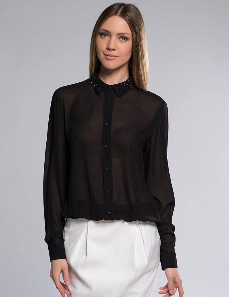 Чёрная блузка из шифона.