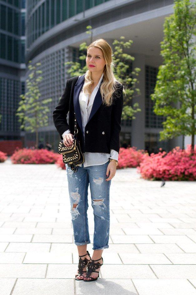 Образ с укороченным чёрным пиджаком.