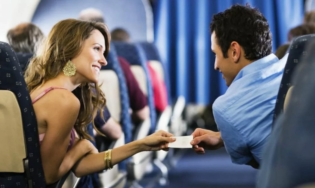 знакомство женщины с мужчиной в самолете