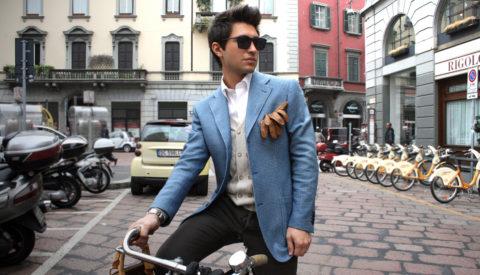 с чем носить мужчине голубой пиджак