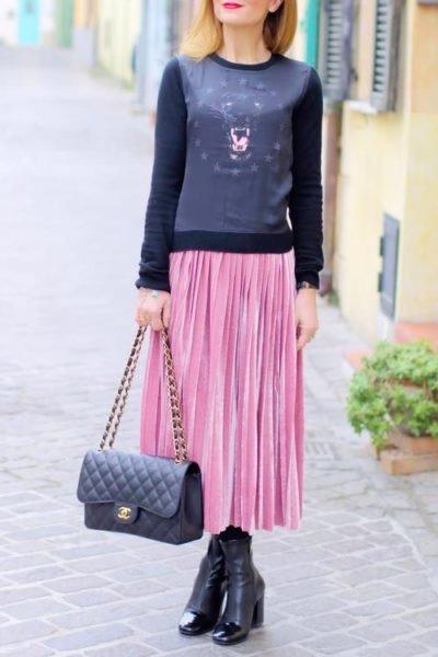 С чем носить розовую юбку плиссе? в разное время года