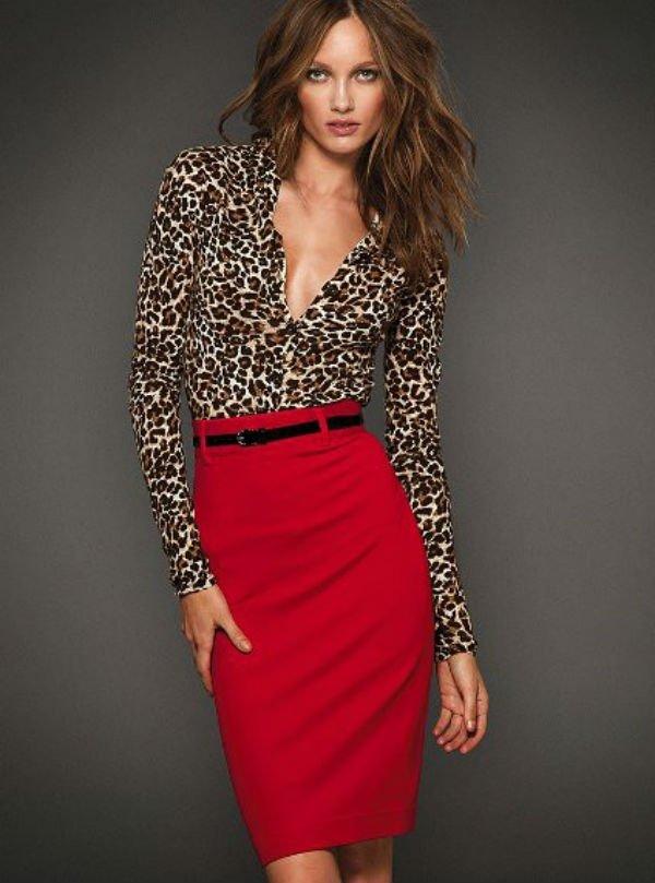 леопард с красным