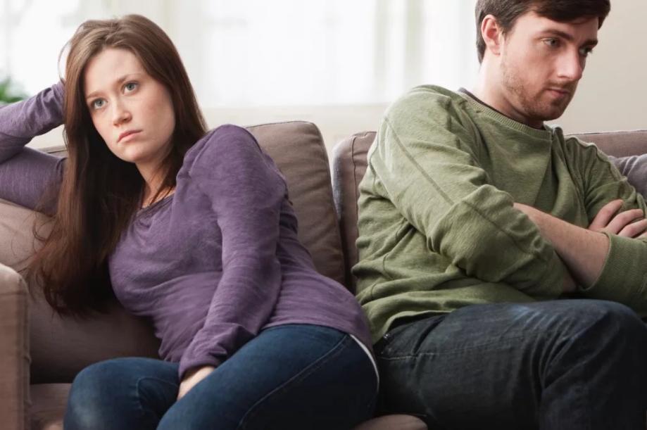 не разговаривать с мужем обидел