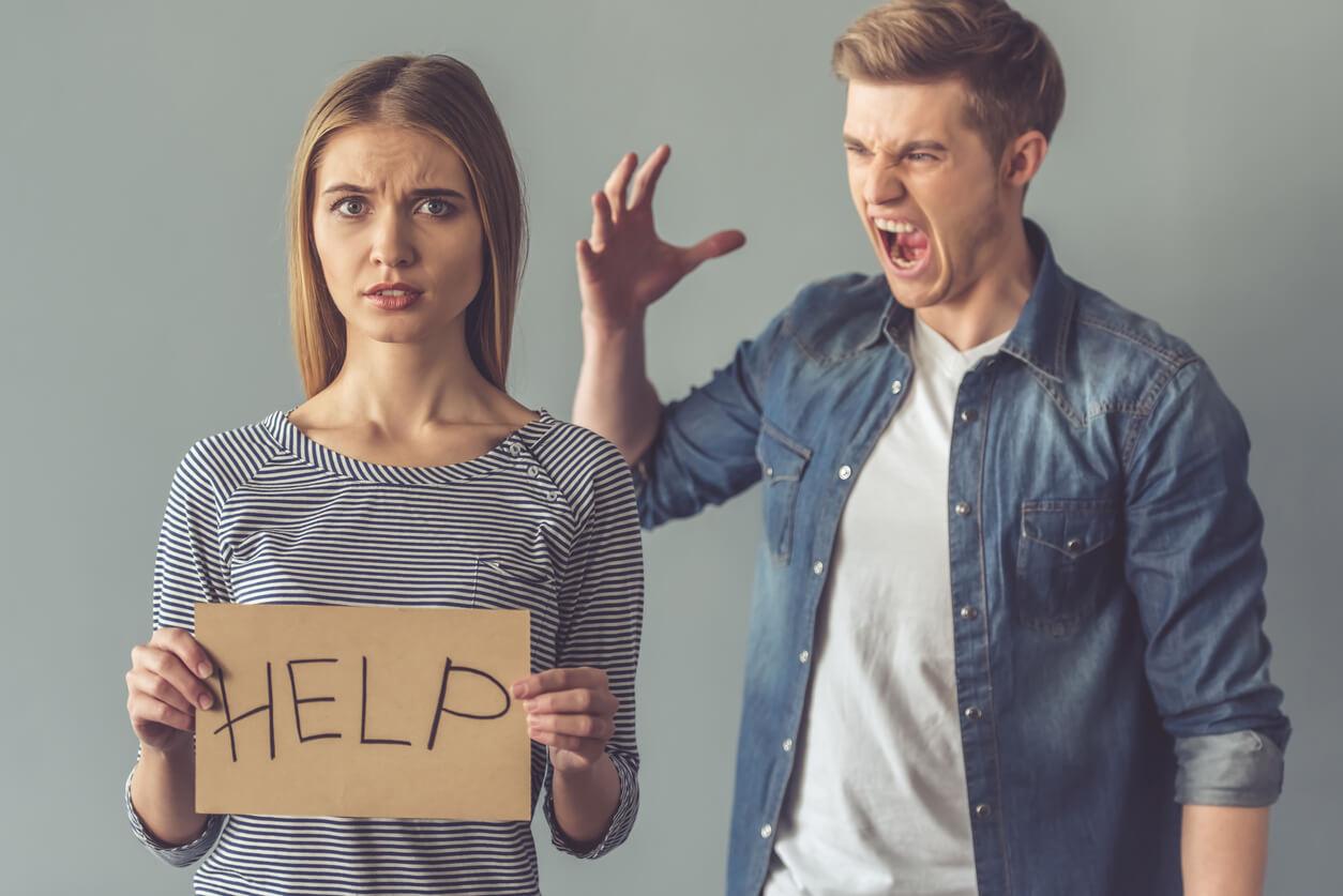 Советы как уйти от мужа-тирана
