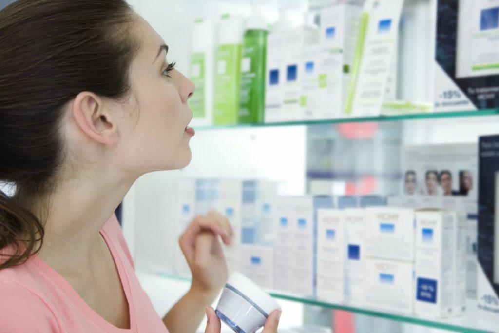 В чём разница между кремом и сывороткой для лица?