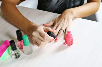 Как правильно красить ногти обычным лаком