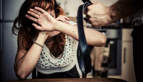 Что делать и куда обращаться, если муж бьёт?