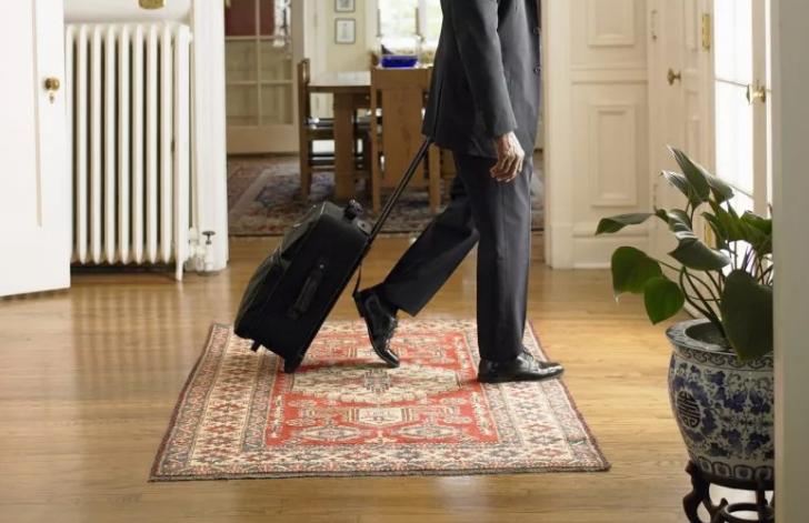 муж уходит из дома