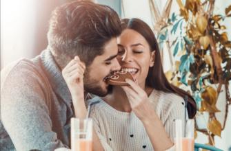 Как должна встречать жена мужа с работы?