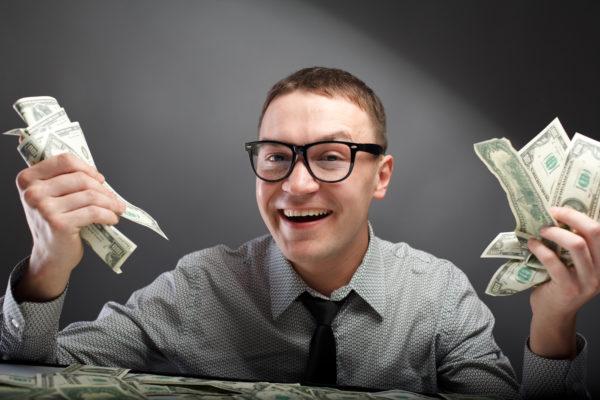 Муж не дает денег