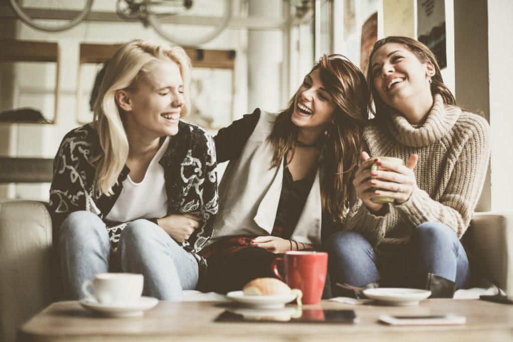Встретиться с подругами