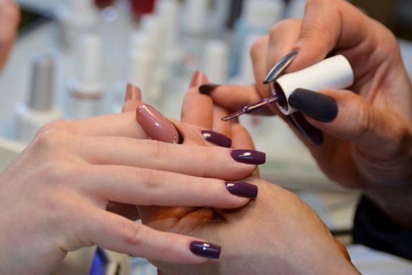 Лучшие фирмы гель лаков для ногтей. Антирейтинг – каких фирм стоит избегать