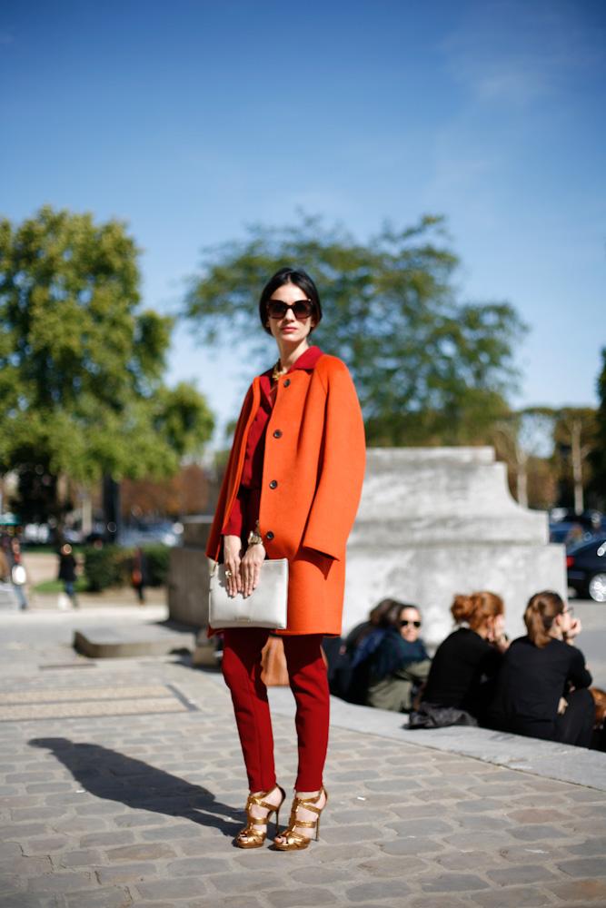 С чем носить пальто рыжего цвета