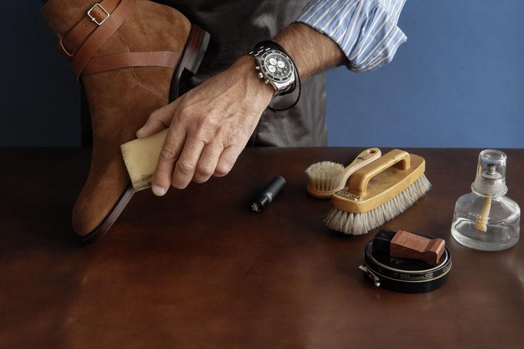 Как почистить замшевые сапоги в домашних условиях 1