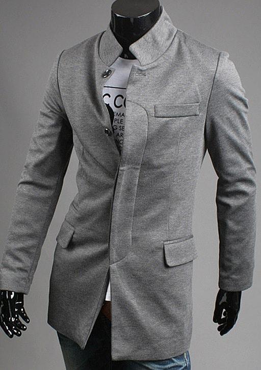 застегнутый пиджак