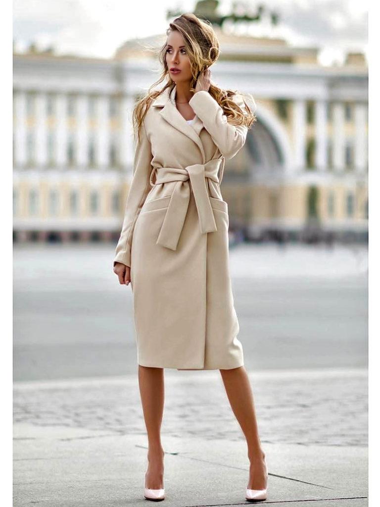 С чем носить пальто длины миди?