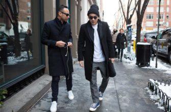 Образы с пальто и кроссовками.