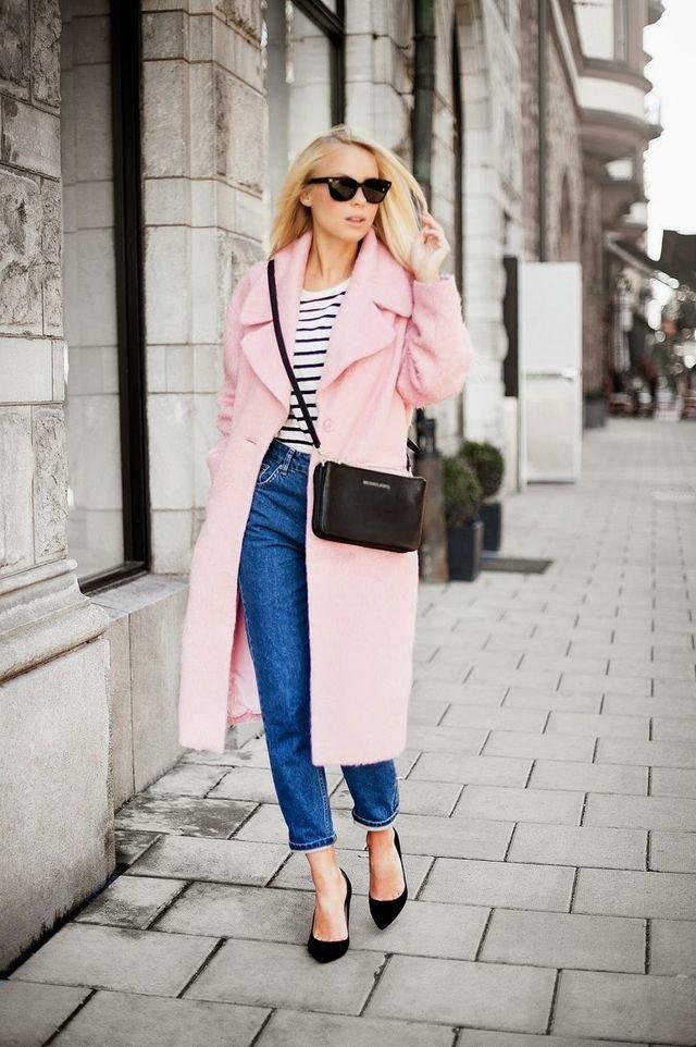 Розовый с синим.