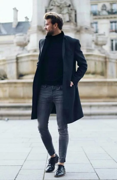 черное мужское пальто средней длины с туфлями