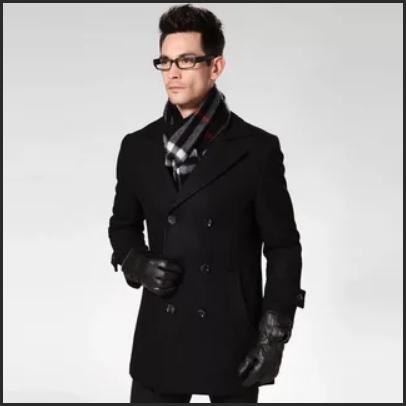 черное мужское пальто короткое с шарфом