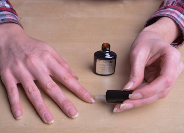 Как красить ногти гель-лаком: пошаговая инструкция
