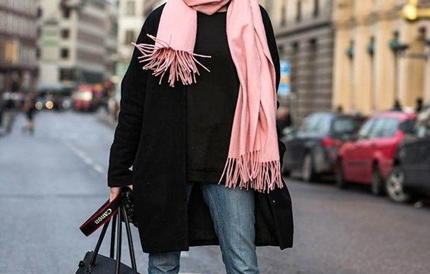 С чем носить чёрное пальто женщинам