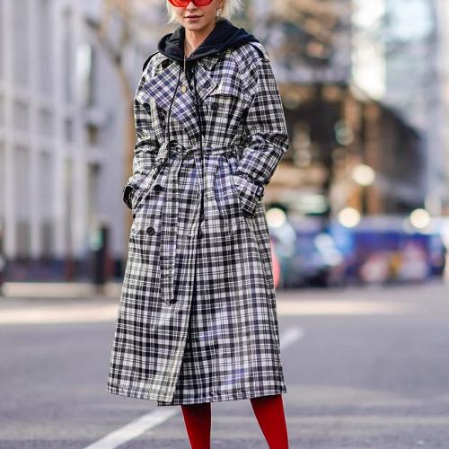 С чем пальто в клетку выглядит гармонично и стильно?