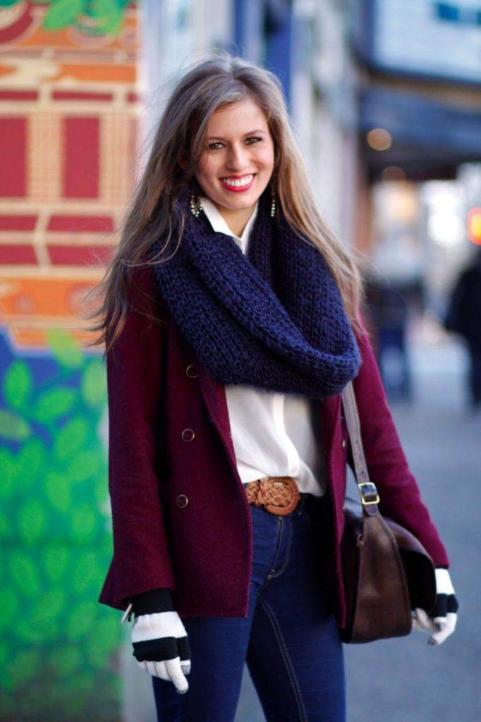 Какой шарф подойдёт к бордовому пальто? 1