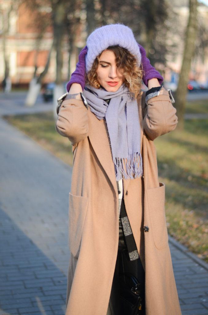 С какой шапкой носить бежевое пальто