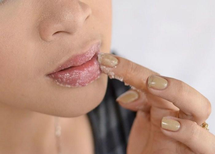 Увеличиваем губы без пластики и уколов массажем