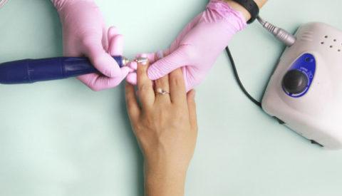 Как снять гель-лак с ногтей и не травмировать их