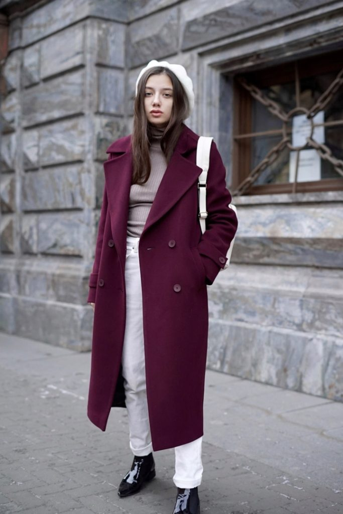 С чем носить пальто бордового цвета? что под низ
