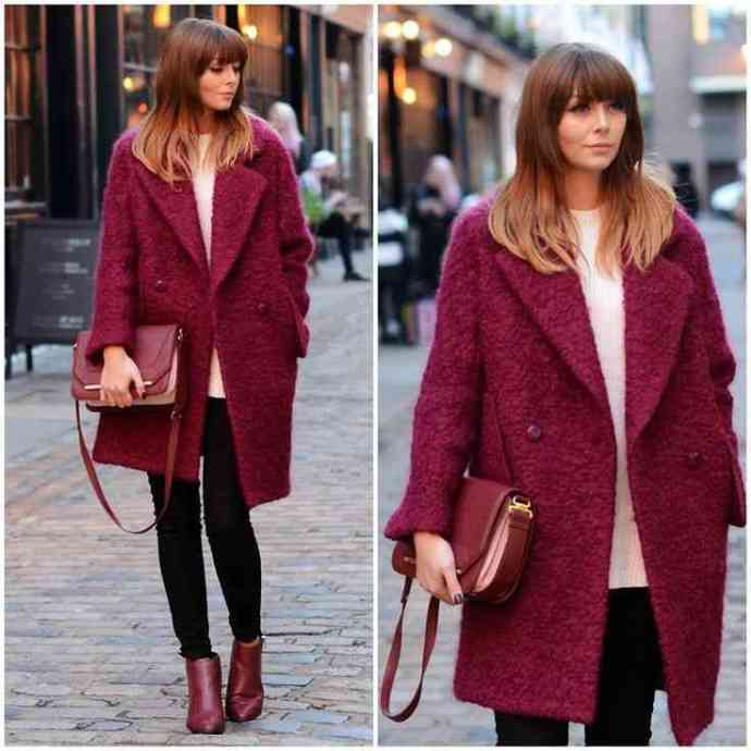 С чем носить пальто бордового цвета? выбор сумки