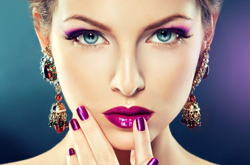 Какой макияж выбрать для встречи Нового 2020 года акцент на губы