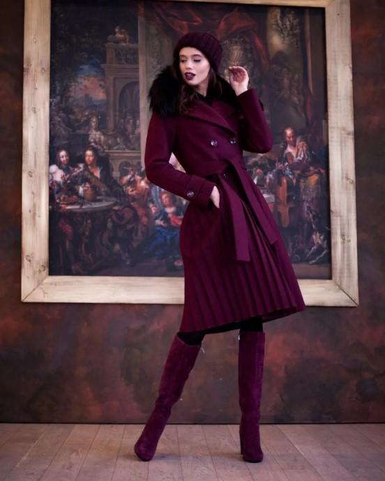 с чем носить бордовое пальто с мехом